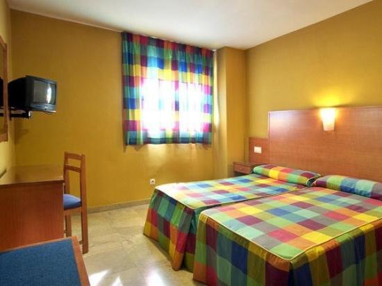 Hotel Los Galanes: Guest Room