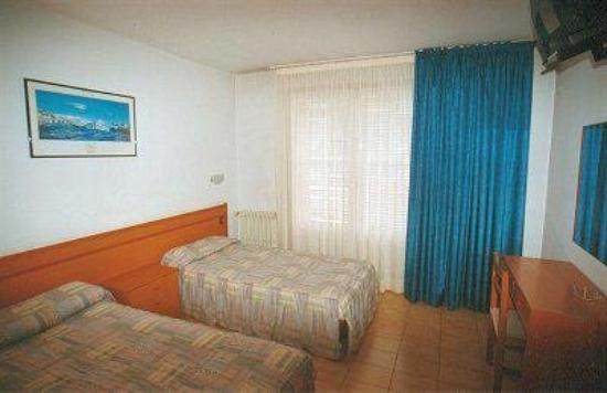 Hotel Cims: Guest Room