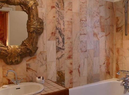 Grand Hotel Dechampaigne: Bath Room