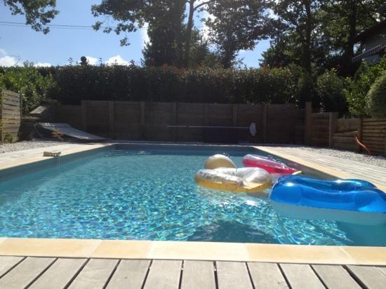 Chambres d'Hôtes Irrintzina : la piscine