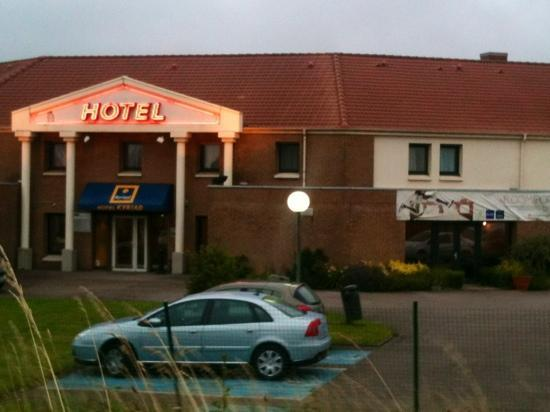 Kyriad Dunkerque Sud - Loon Plage : nice hotel free parking