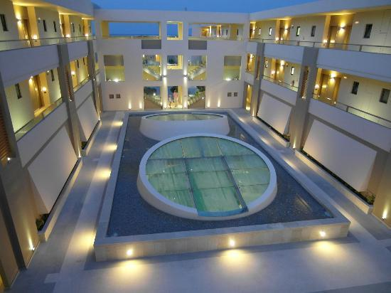 Site int rieur picture of avra imperial hotel kolymbari for Hotel interieur