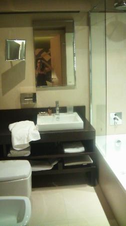 Villa dei Platani Boutique Hotel & Spa: Bagno stanza n. 201 (2)