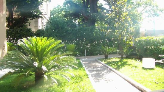 Villa dei Platani Boutique Hotel & Spa: Giardino dell'hotel