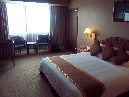 Orchid Garden Hotel: Room.