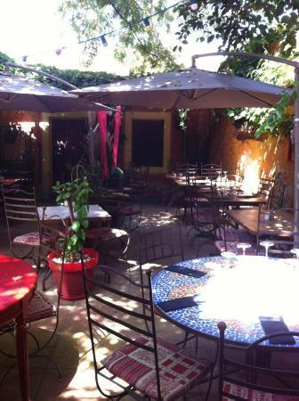 Le Café de Bouzigues : Le patio