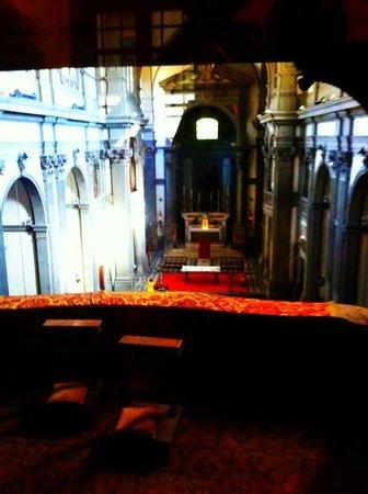 Corridoio Vasariano: View of private Medici chapel from inside the Vasari Corridor