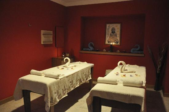 Sanctuary Day Spa & Turkish Bath : relax in our massage rooms
