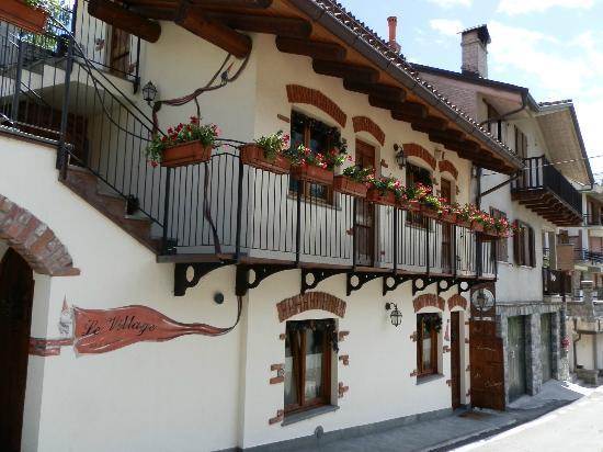 Le Village : Balconi