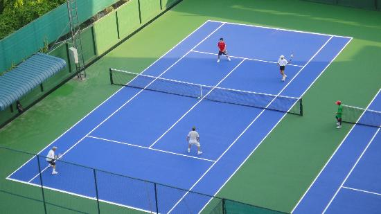 Sivalai Place: Tennis Courts