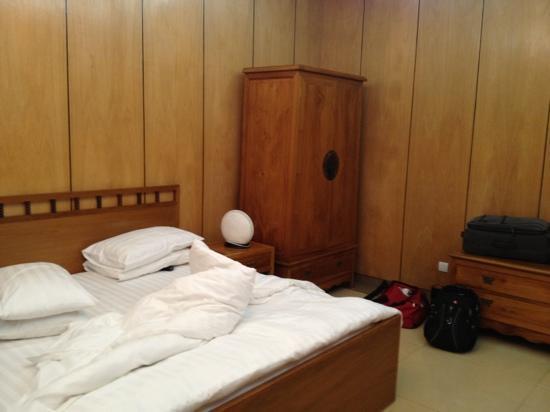 Lagos Oriental Hotel: oriental bed