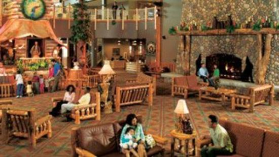 Great Wolf Lodge Concord: Lobby View
