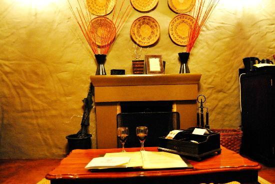 Hlosi Game Lodge: Room