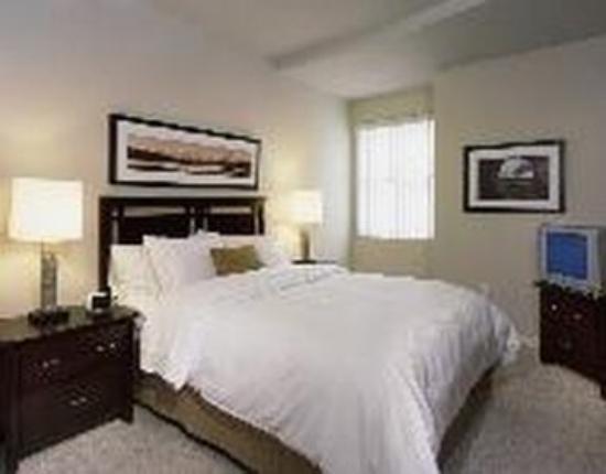 Oakwood at Watermans Crossing: Guestroom