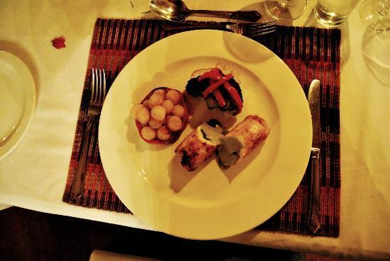 لوسي جايم لودج: Dinner 