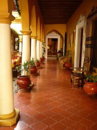 Mansion de Los Angeles: Exterior
