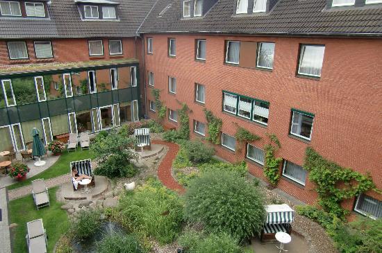 Hotel Birke: innenhof im haupthaus