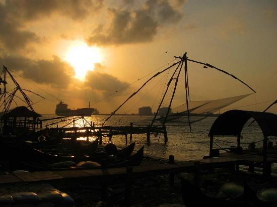 Beena Homestay: Chinese fishing nets