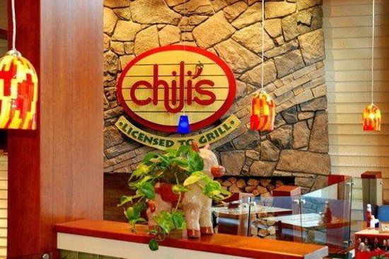 Fox Hotel & Suites: Chili's Grill & Bar Restaurant