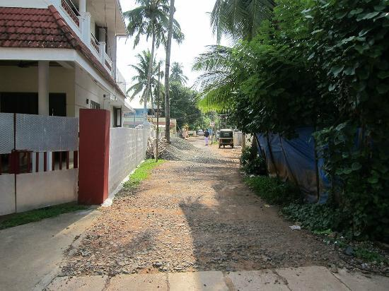 Link Road from KB Jacob Road - Beena Homestay is on left, a few houses down.