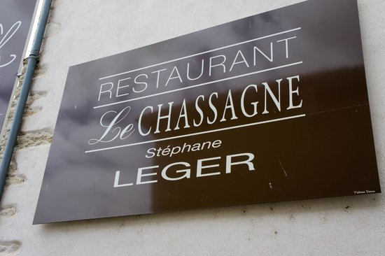 Le Chassagne : Just a small name plate outside