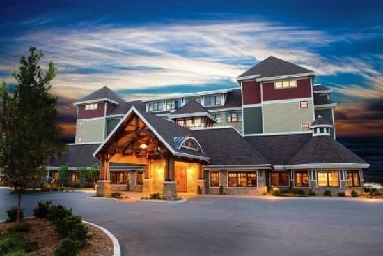 Tamarack Lodge : EXTERIOR