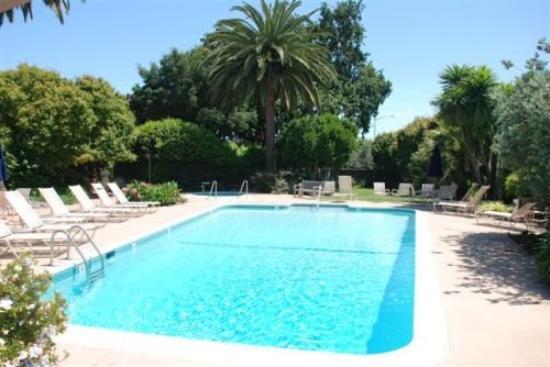 El Pueblo Inn: Pool
