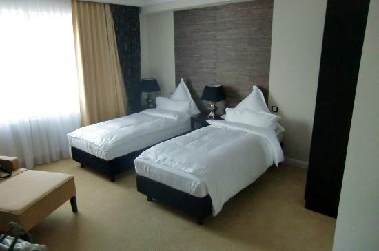 Hotel Business & More: unser zimmer