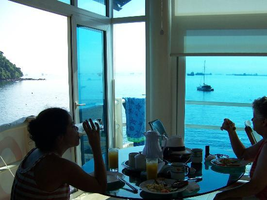 Agua Sol Villa: breakfast in the room