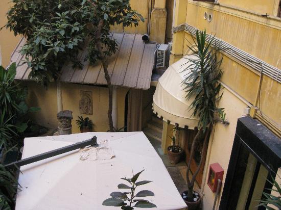 Hotel Medici: Bahçe