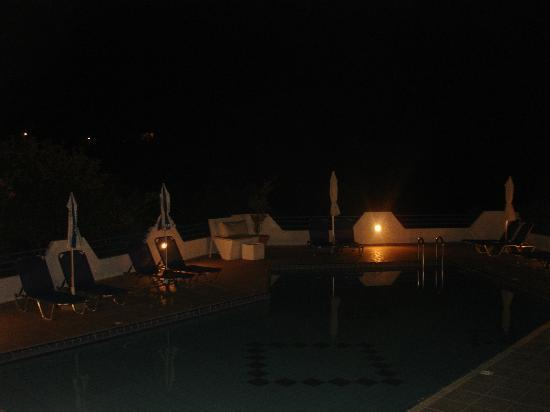 Xanthi Studios: Pool by night