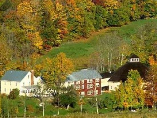 The Inn at Round Barn Farm : Grounds of Vermont B&B