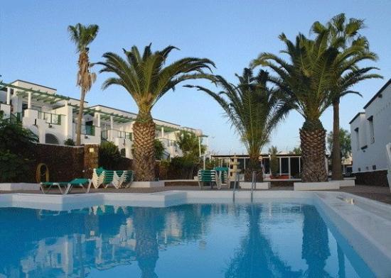 Apartamentos Guacimeta Lanzarote: Pool