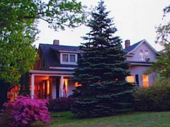 The Apple Inn Bed and Breakfast : Exterior