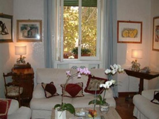 B & B Gianicolo's Home: Interior Lobby