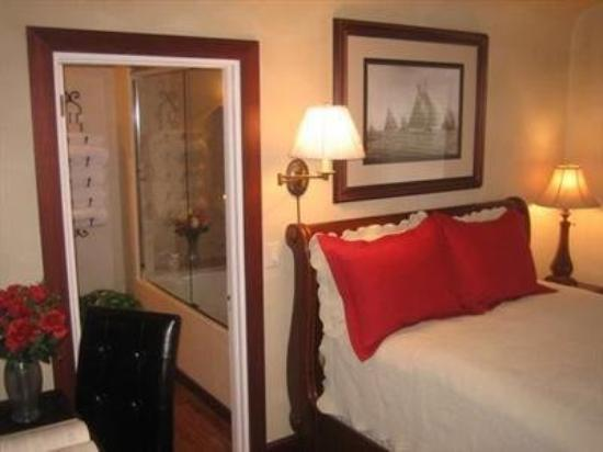 The fillmore inn bewertungen fotos preisvergleich for Media room guest bedroom