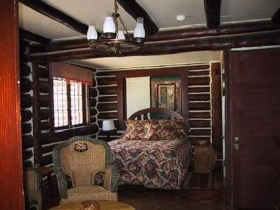 Black Forest Bed and Breakfast: Cabin Bedroom