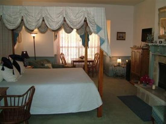 Heritage Country Inn: Guest Room