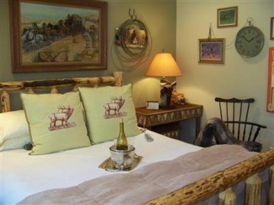 Elk Ridge Bed & Breakfast: Guest Room