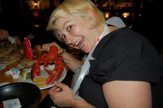 Lobster Barn: Nicole thrilled with her lobster