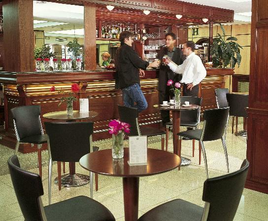 Hotel Roissy: Le jet bar