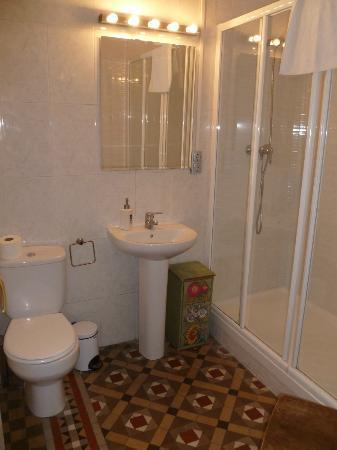 Tripledos: bagno privato con grande doccia