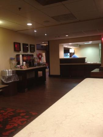 Hampton Inn Charleston - Southridge: Hampton front desk 24 hour coffee too