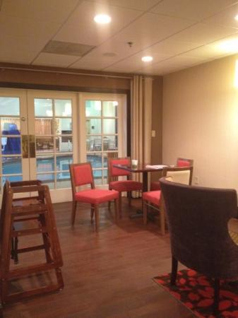 Hampton Inn Charleston - Southridge : pool