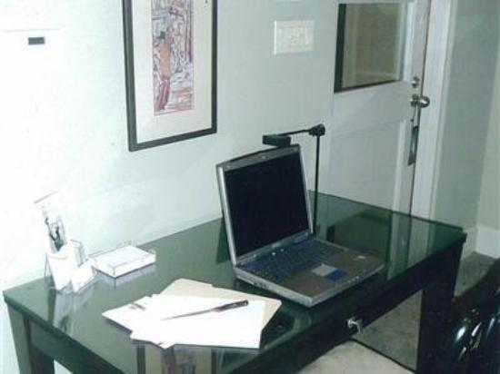 The Guesthouse on Allen Street: Work Area
