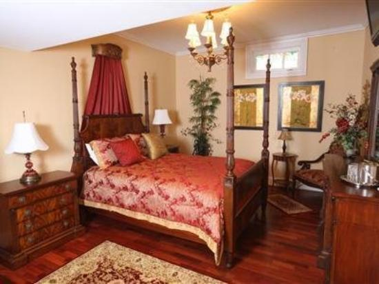 Chestnut Hill Bed & Breakfast Inn: Guest Room