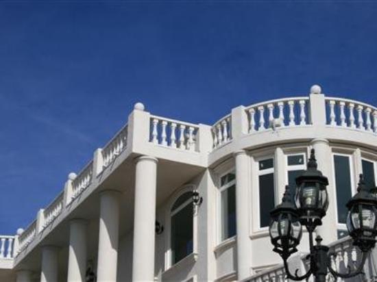 Casa Blanca Retreat: Exterior
