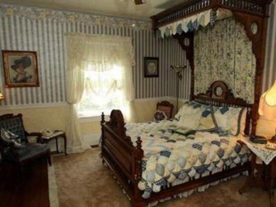 Dickey House Bed and Breakfast: Guest Room