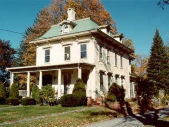 Pillsbury House Bed & Breakfast