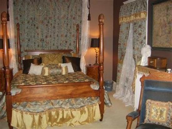 The Pillar Inn: Guest Room